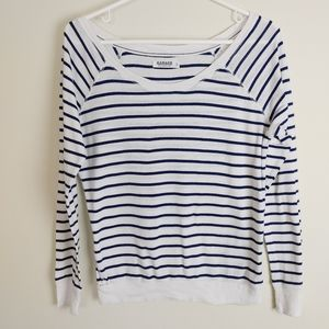 🤍 FREE Garage Blue white striped long sleeve top scoop neck small